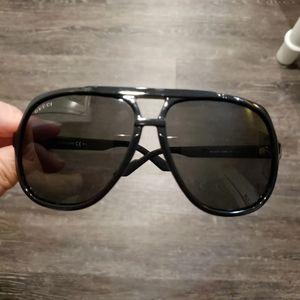 EUC Gucci Aviator Sunglasses